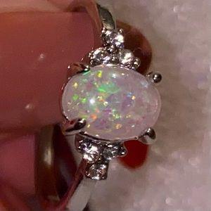 🦋3/$30🦋beautiful opal ring size 8